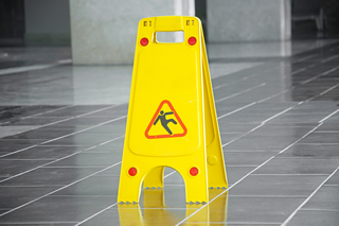 Preventing Falls from Slips and Trips (CCOHS) Online Training Course